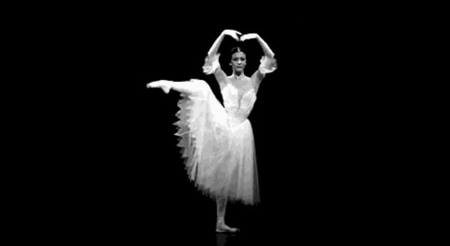 中国舞VS芭蕾舞在训练方法上的不同